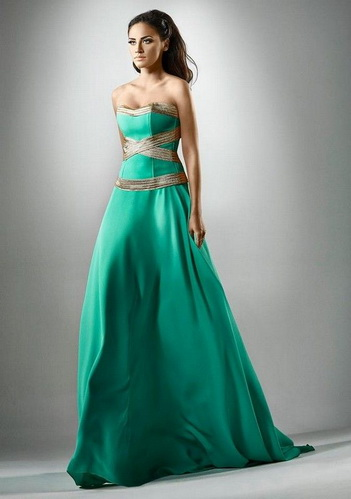 Платье к Новому году зеленого цвета