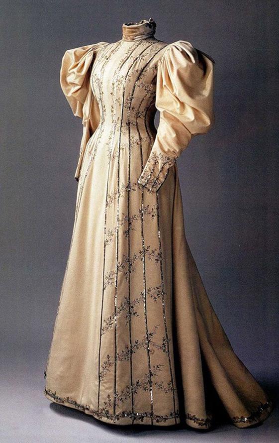 Платье Надежды Ламановой